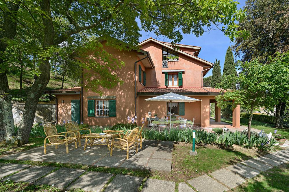 Collemontanino- Casciana Terme (PI) villa di mq 334 con giardino