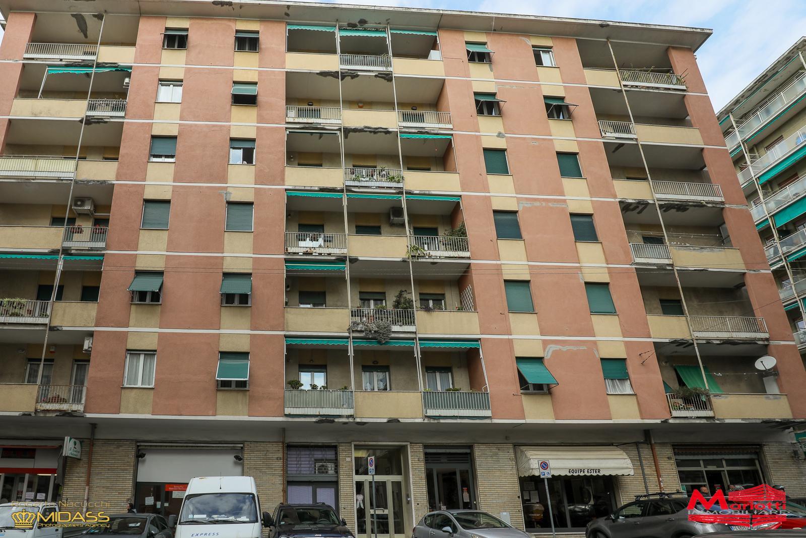 San Fruttuoso – Via Cellini/P.za Solari vani 6 mq. 95